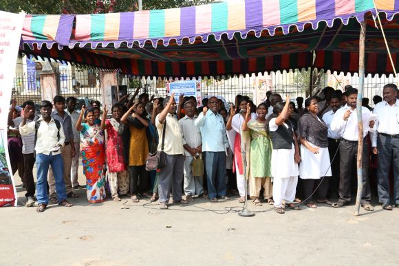 The aspiring archakars hold a demonstration in Chennai