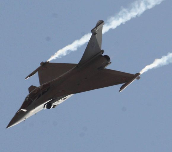 A Rafale jet at the air show.