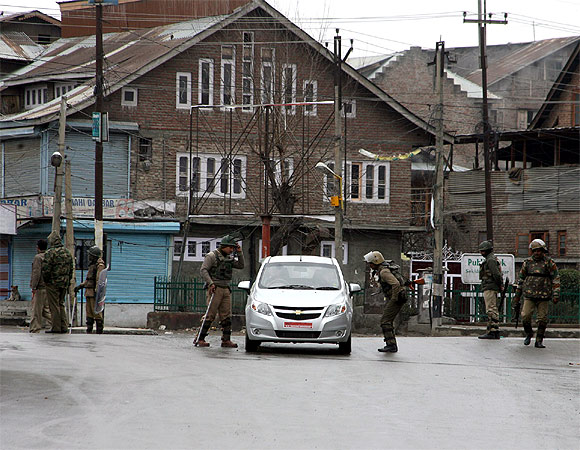Kashmir keeps the peace on Friday