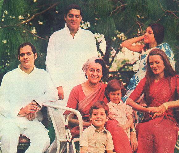 Indira Gandhi with her sons Rajiv and Sanjay, daughters-in-law Sonia and Maneka and grandchildren, Priyanka and Rahul.