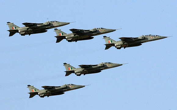 IAF Jaguar's displaying their skills