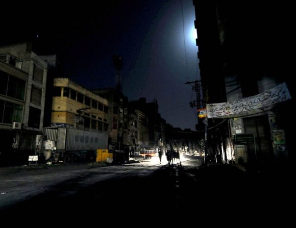 Pakistan plunges into darkness