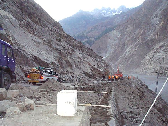 Chinese construction firms widening the 335km Karakurum Highway (KKH) from Khunjerab to Raikot.