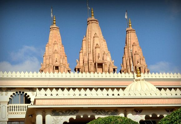AMAZING Swaminarayan temples from around the world