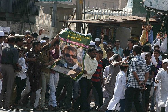 Supporters of Owaisi protest against his arrest