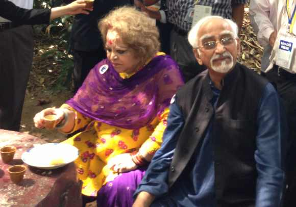 Vice President Hamid Ansari at Cu Chi camp with wife Salma