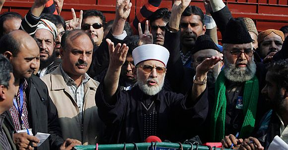 Giving peace, democracy in Pak a FINAL chance: Qadri
