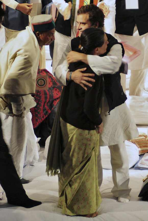 Rahul Gandhi embraces Sonia at the meet