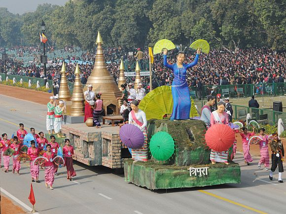 The tableau of Tripura on the theme 'Sangrai Festival of the Mog Community of Tripura'