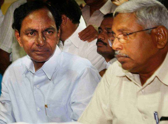 TRS chief K Chandrasekhar Rao with Joint Action Committee on Telangana chief Kodandaram