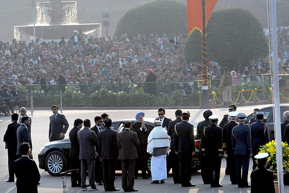 Prime Minister Dr Manmohan Singh being received by Defence Minister AK Antony at the ceremony in New Delhi