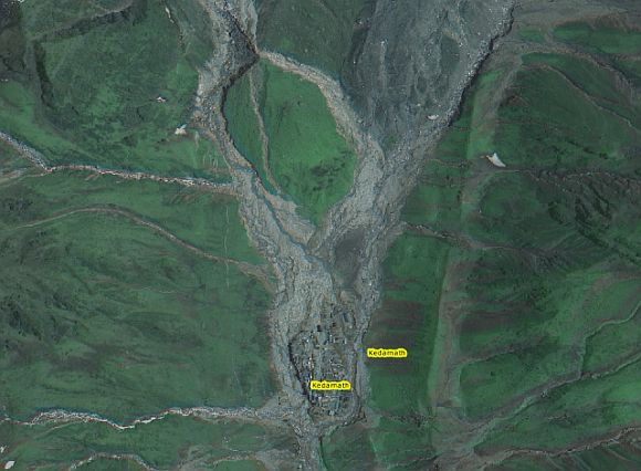 The very high level of damage to Kedarnath town is clearly evident