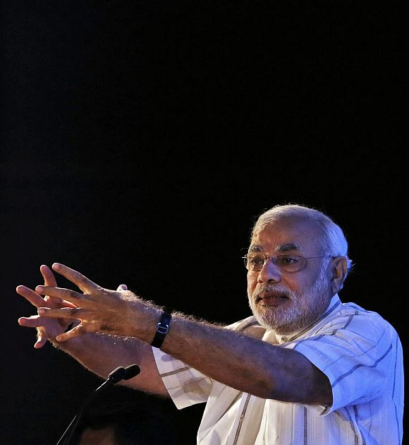Modi draws blood, triggers fresh war of words