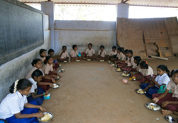 Primary school children at mealtime