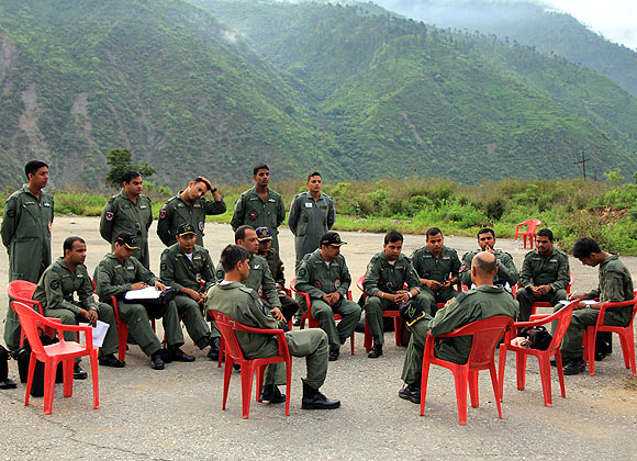 An IAF briefing being conducted at the Dharasu airfield.