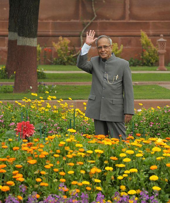 President Pranab Mukherjee opens the annual 'Udyanotsav' of the Mughal Gardens of Rashtrapati Bhavan