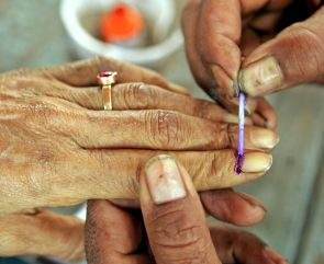 Uttarakhand polls: Straight contest between Congress-BJP in most seats