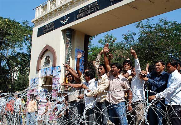 Pro-Telangana protestors outside Osmania University, January 2011.
