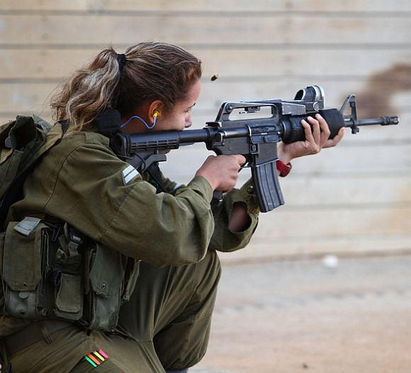 Israeli women soldiers in the line of fire