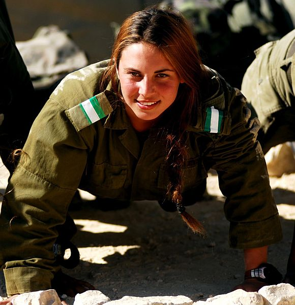PHOTOS: Israeli women soldiers in the line of fire ...