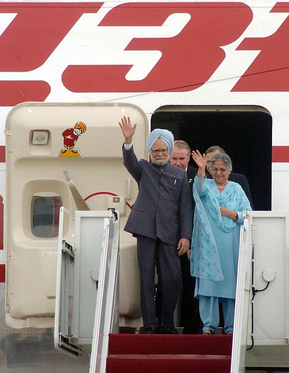 Manmohan Singh's air travel bill: Rs 642 crore!