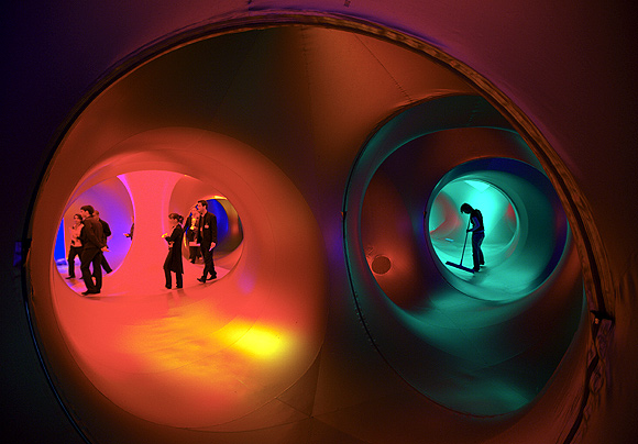 PIX: Inside the Luminarium - A wonder of beauty and light