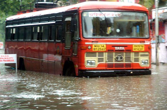 A state transport bus at Dadar