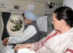India News - Latest World & Political News - Current News Headlines in India - PM, Sonia survey flood-ravaged Uttarakhand