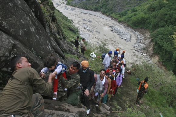 Soldiers rescue stranded people in rain-ravaged Uttarakhand