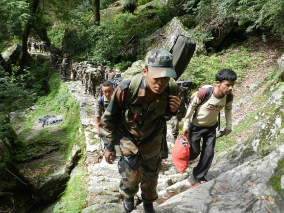 Soldiers rescue villagers stranded in Uttarakhand
