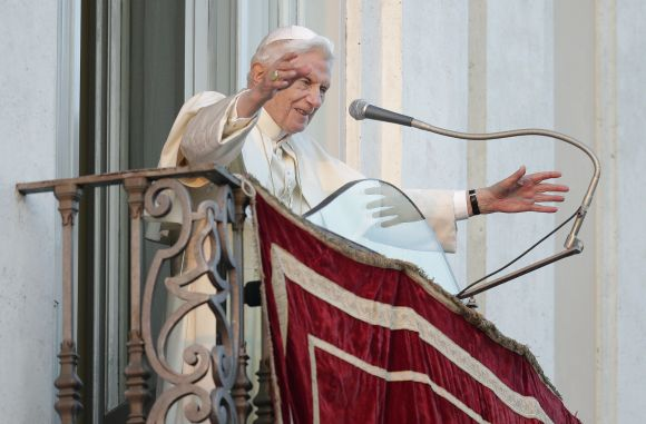 PHOTOS: Benedict XVI's papacy ends, leaves Vatican
