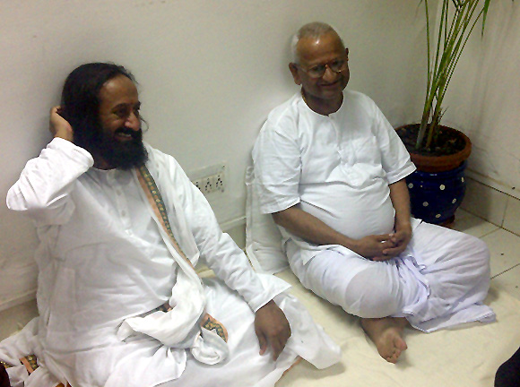 Sri Sri Ravi Shankar, seen here with Kisan Baburao 'Anna' Hazare.