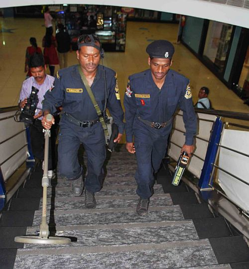 Anti-terror commandos of the of Andhra Pradesh's Organisation For Counter Terrorist Operations or Octopus carry out IED search at a mall in Hyderabad