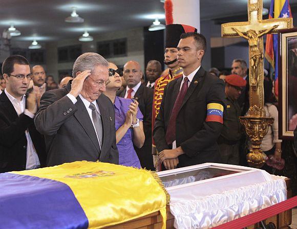 Heartbroken Venezuela mourns Chavez