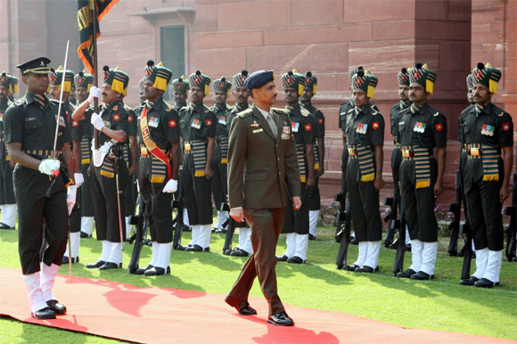 Ravinder Singh inspects Gaurd of Honour in New Delhi