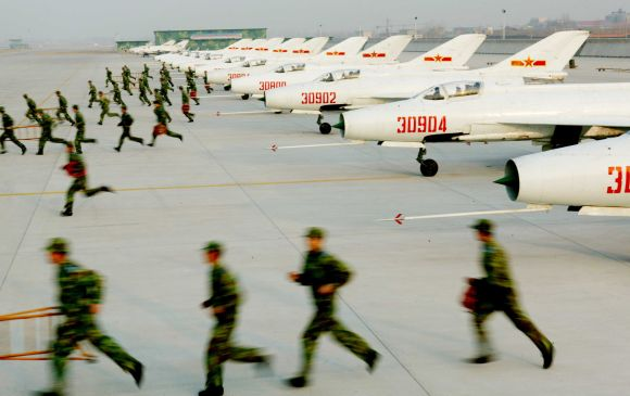 Chinese air force soldiers train at a military base in the Chinese city of Jinan, in Shandong province