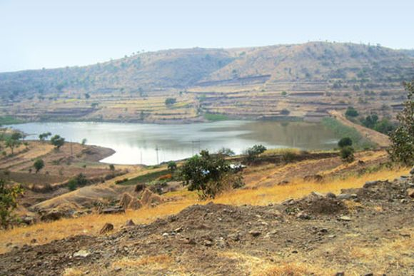 The Kolapuri wier in Antarwali village, Osmanabad district cannot store water because of faulty location