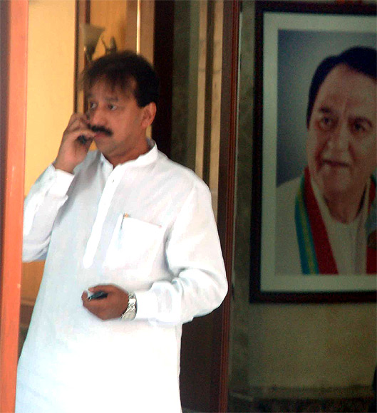 MLA Baba Siddiqui visited Dutt at his Bandra residence in Mumbai on Thursday