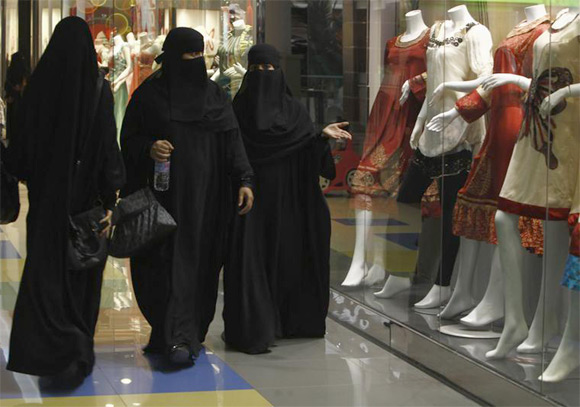 Women shop at Al-Hayatt mall in Riyadh, Saudi Arabia