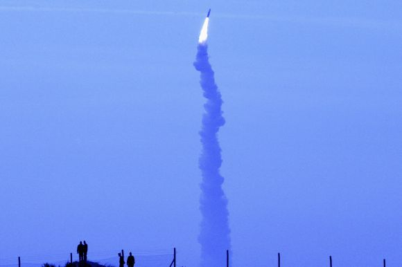 France's missile M51 soars into the air during its first test in Biscarosse, on November 9, 2006.