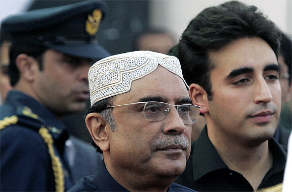 Bhutto Zardari, son of assassinated former Pakistani prime minister Benazir Bhutto, with his father, Pakistan's President Asif Ali Zardari