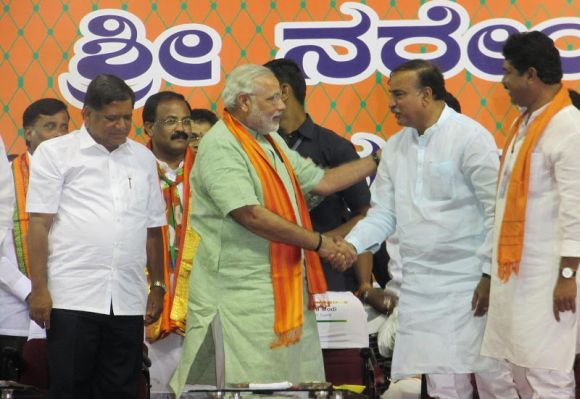 Senior BJP leader Ananth Kumar with Gujarat CM Narendra Modi