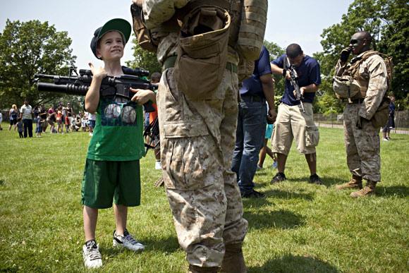 IN PIX: Americans simply love their GUNS!