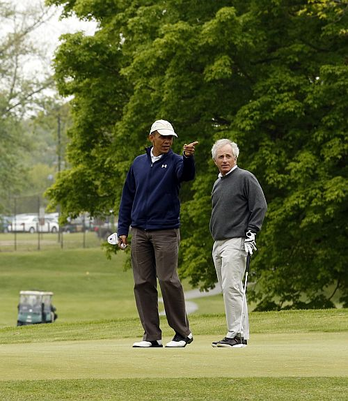 Barack Obama defeated... in golf politics