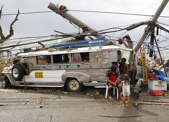 Typhoon carnage in Philippines
