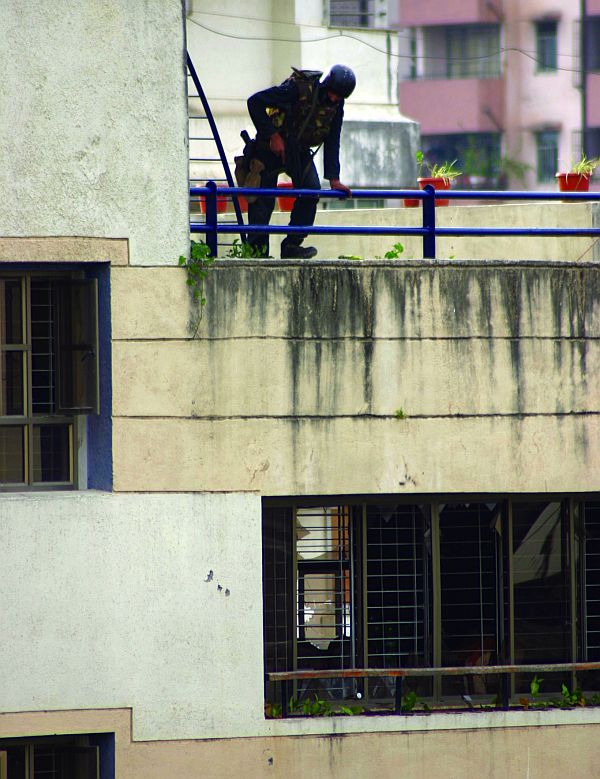 A NSG commando at Chabad House, November 28, 2008.