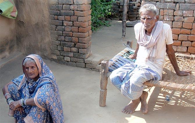 Sahib Ansari and Zubeida Khatoon are the senior-most family members. Zubeida says Mumbai only brings tears to her eyes.