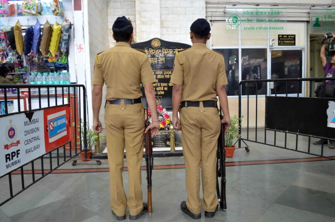 Police officials remember 26/11 martyrs on the fifth anniversary of the Mumbai attacks