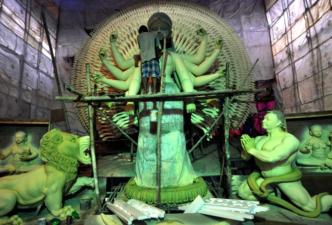 Kumartuli Park artist Mintu Pal's 1,000-hand Durga