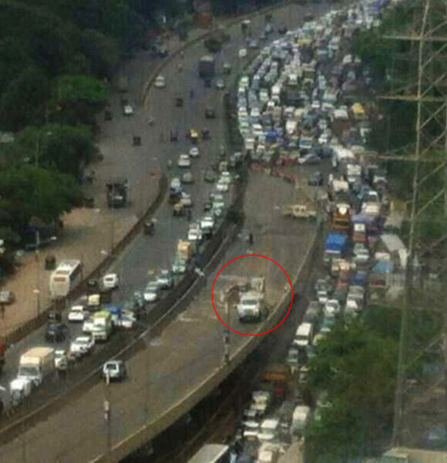 PHOTOS: Chaos on roads after part of Mumbai flyover caves in